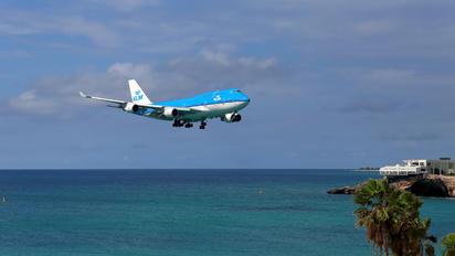 KLM747-400-3